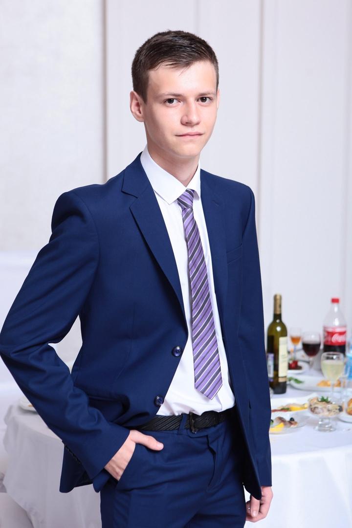 Дмитрий Агамалиев